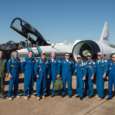 Historic Flight of Three NASA WB-57's in formation over Houston Image Gallery: 10 Photos The historic...