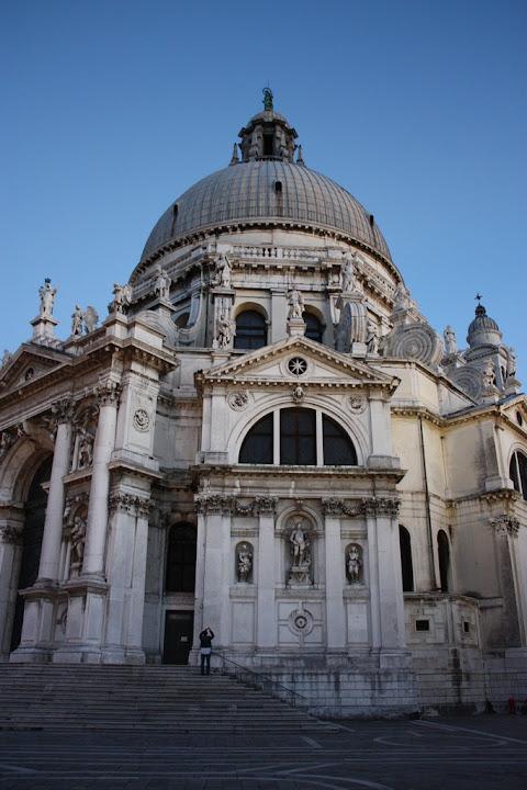 Прекрасная церковь Санта Мария делла Салюте