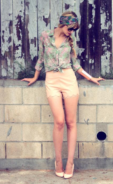 Como usar shorts de cintura alta: 20 Dicas de estilo 08