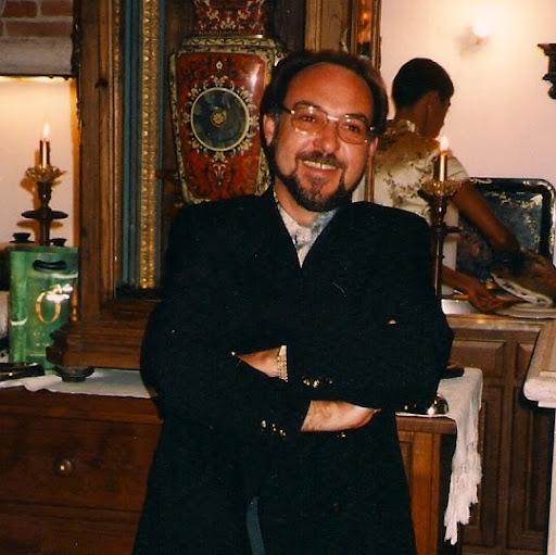 Alvaro Gaspar Photo 9