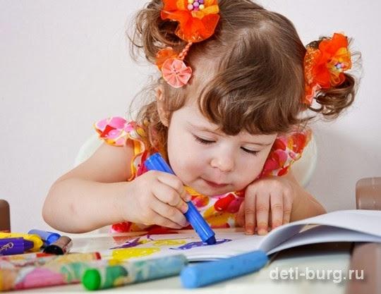 Нужно ли учить ребенка рисовать