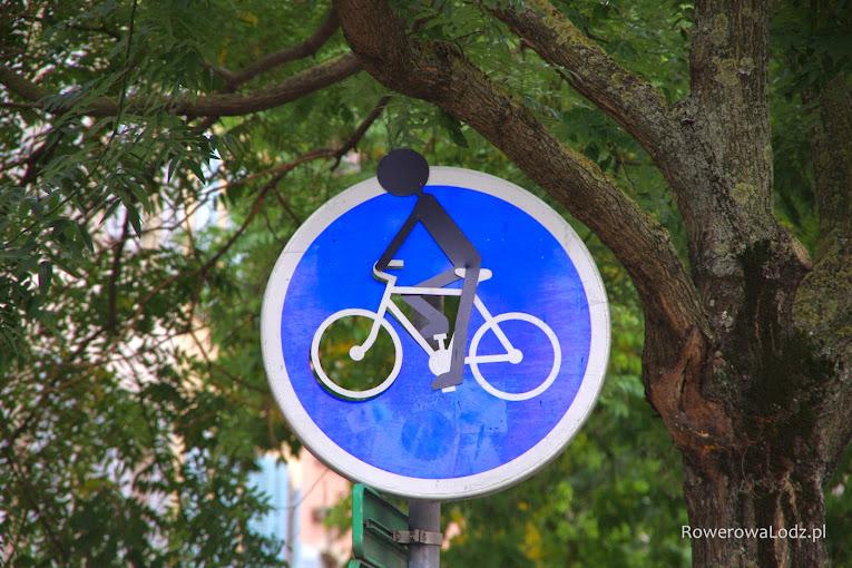 Trójwymiarowy znak rowerowy ;) Jego istnienie możliwe jest dlatego, że we Francji dość liberalnie podchodzi się do znaków drogowych
