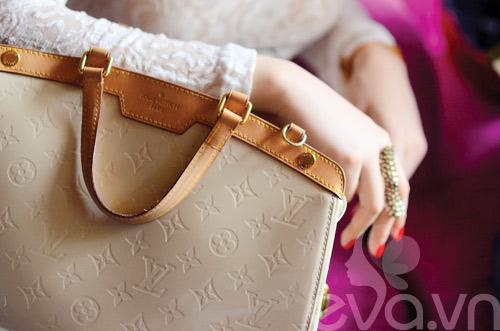 Tủ đồ sắc đẹp trong túi Angela Phương Trinh - 3