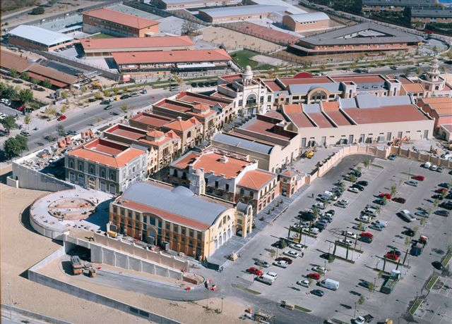 Revisi n interior las rozas village - The first outlet las rozas ...