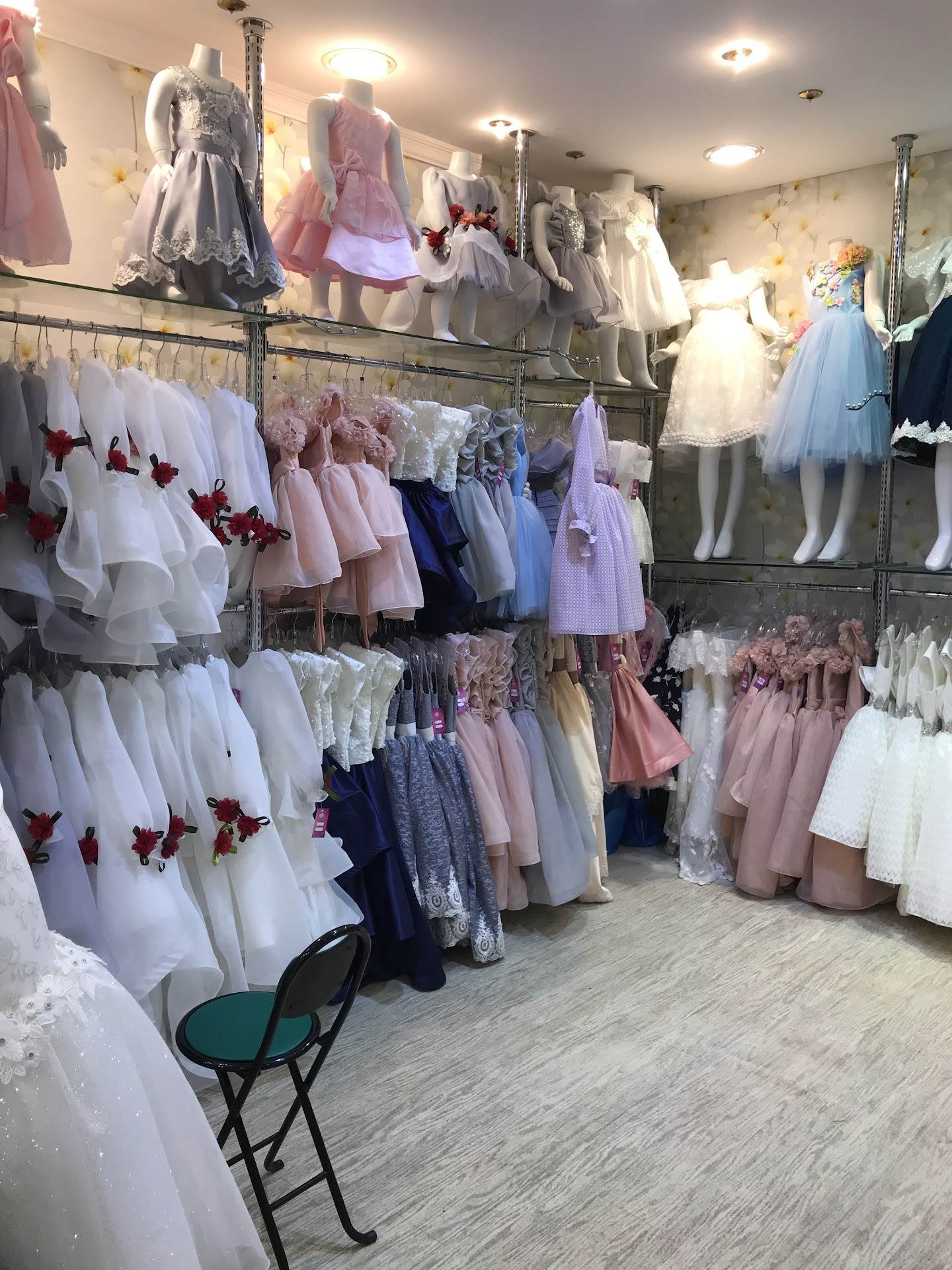 Amasi, kids' dresses - متجر ملابس أطفال في جدة