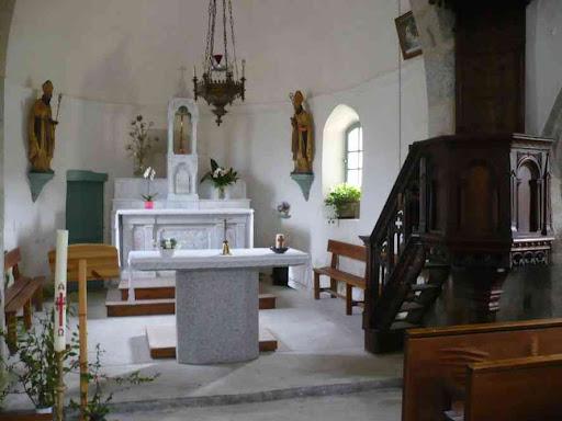 L'intérieur de l'église de Saint-Vénérand