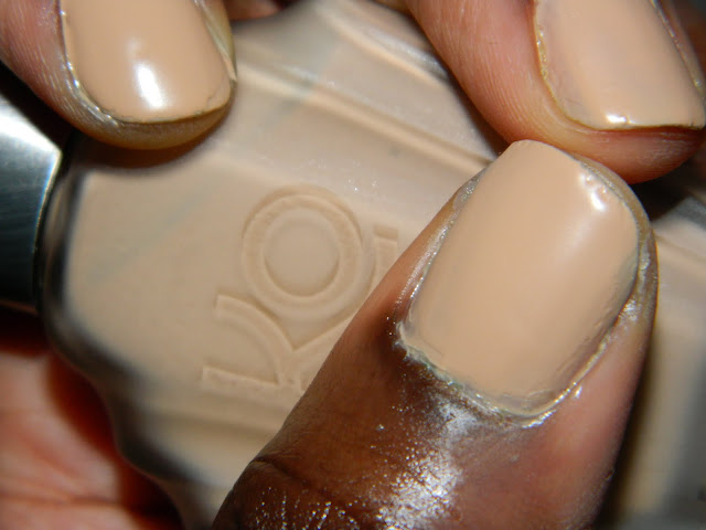 Nude-Colored Nails: Knock Out Plaster