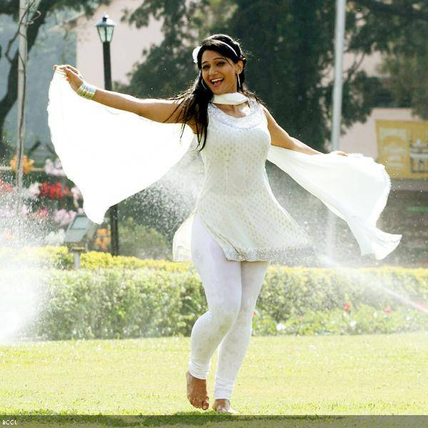 Urmila Kanitkar in a still from the Marathi movie Duniyadari.