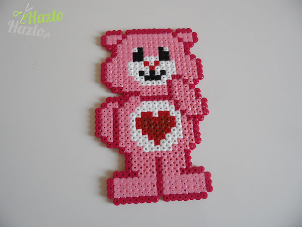 Oso amoroso hecho con hama beads