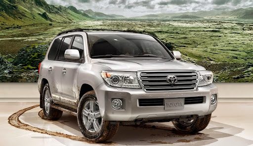 2014-Toyota-Land-Cruiser-Best-7-Passenger-SUVs