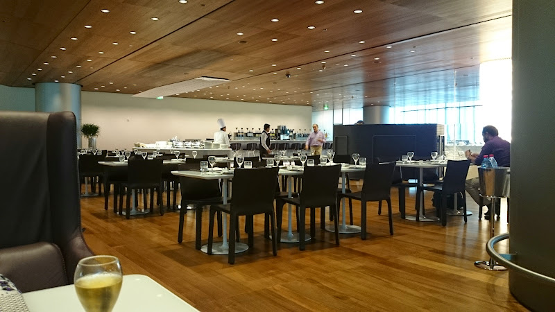 DSC 4989 - REVIEW - Qatar Al Mourjan Business Class Lounge, Doha (September 2014)