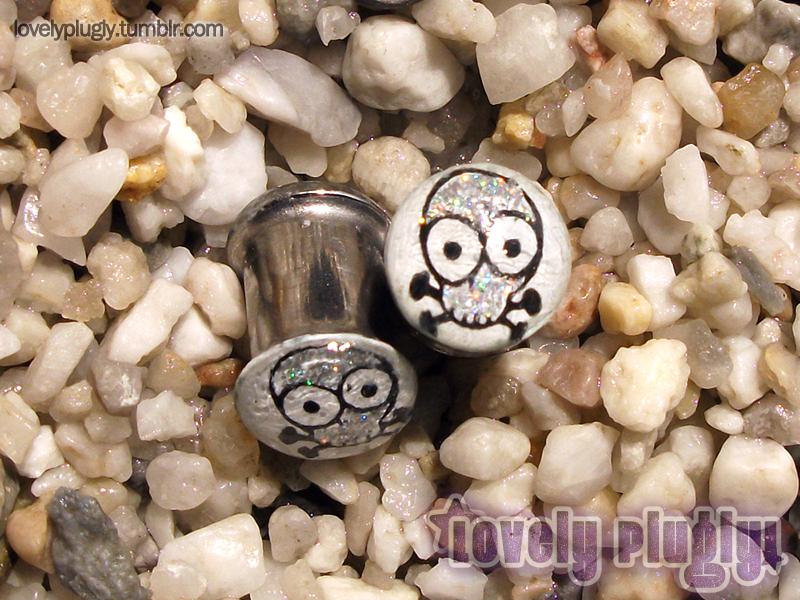 8mm / 0g Bling Skulls Glitter Plugs