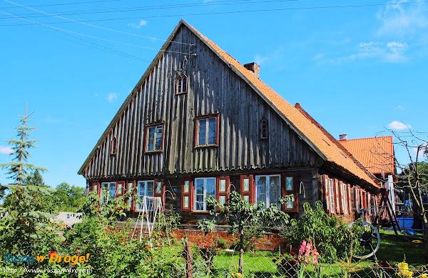 dom podcieniowy w Jezierniku