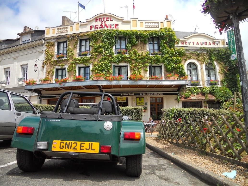 Hotel De France La Chartre Sur Le Loir Lotus Seven Club