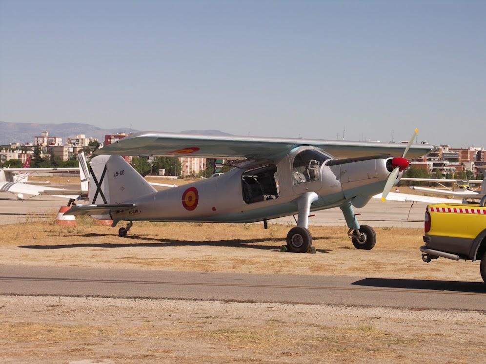 """Exhibición aerea de la Fundación """"Infante de Orleans"""". DONIER+DO.27"""
