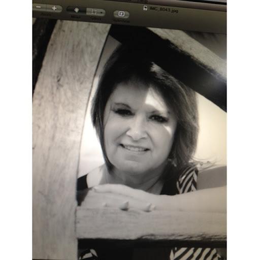 Patti Lyons Photo 15