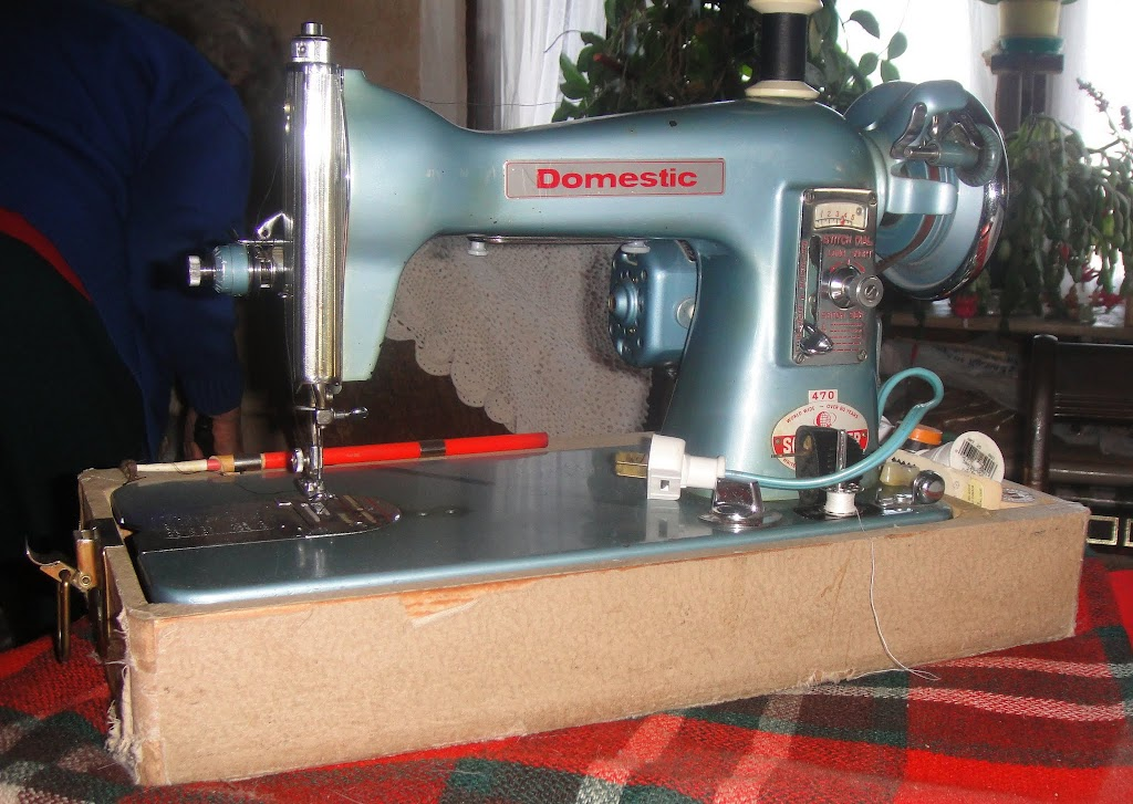Vintage Sewing Machines Tanit Isis Sews