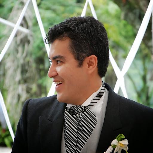 Erik Juarez Photo 15