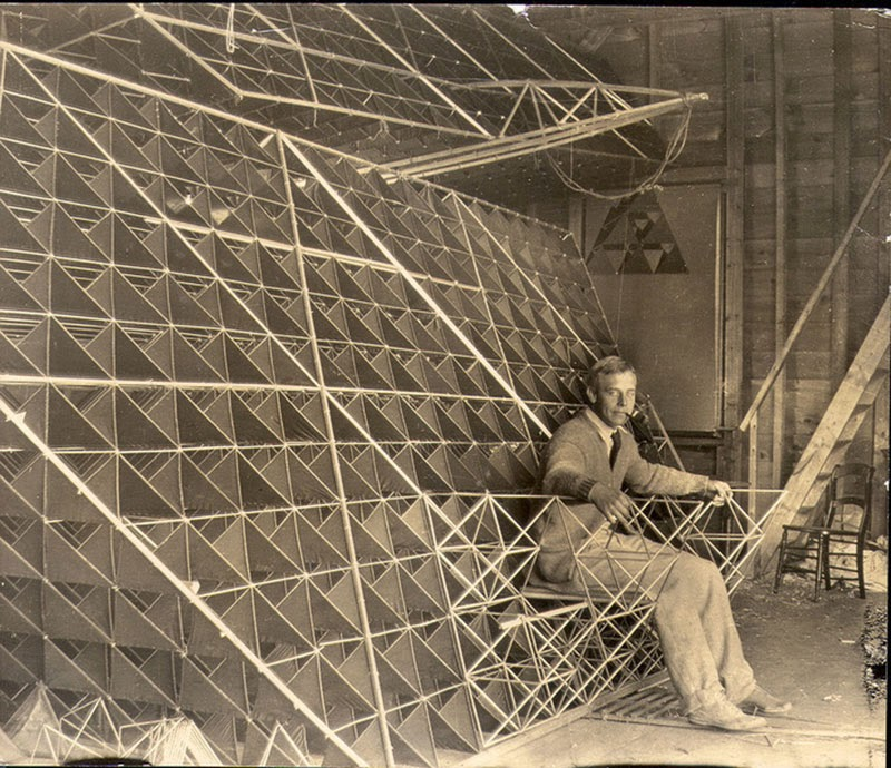 The Tetrahedral Kites of Dr Alexander Graham Bell