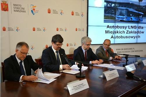 Uroczyste podpisanie umowy na dostawy autyobusów LNG dla MZA Warszawa