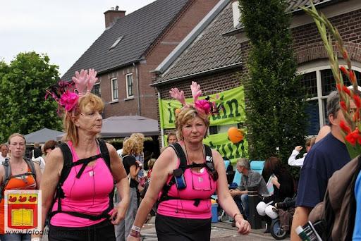 Vierdaagse van Nijmegen door Cuijk 20-07-2012 (100).JPG