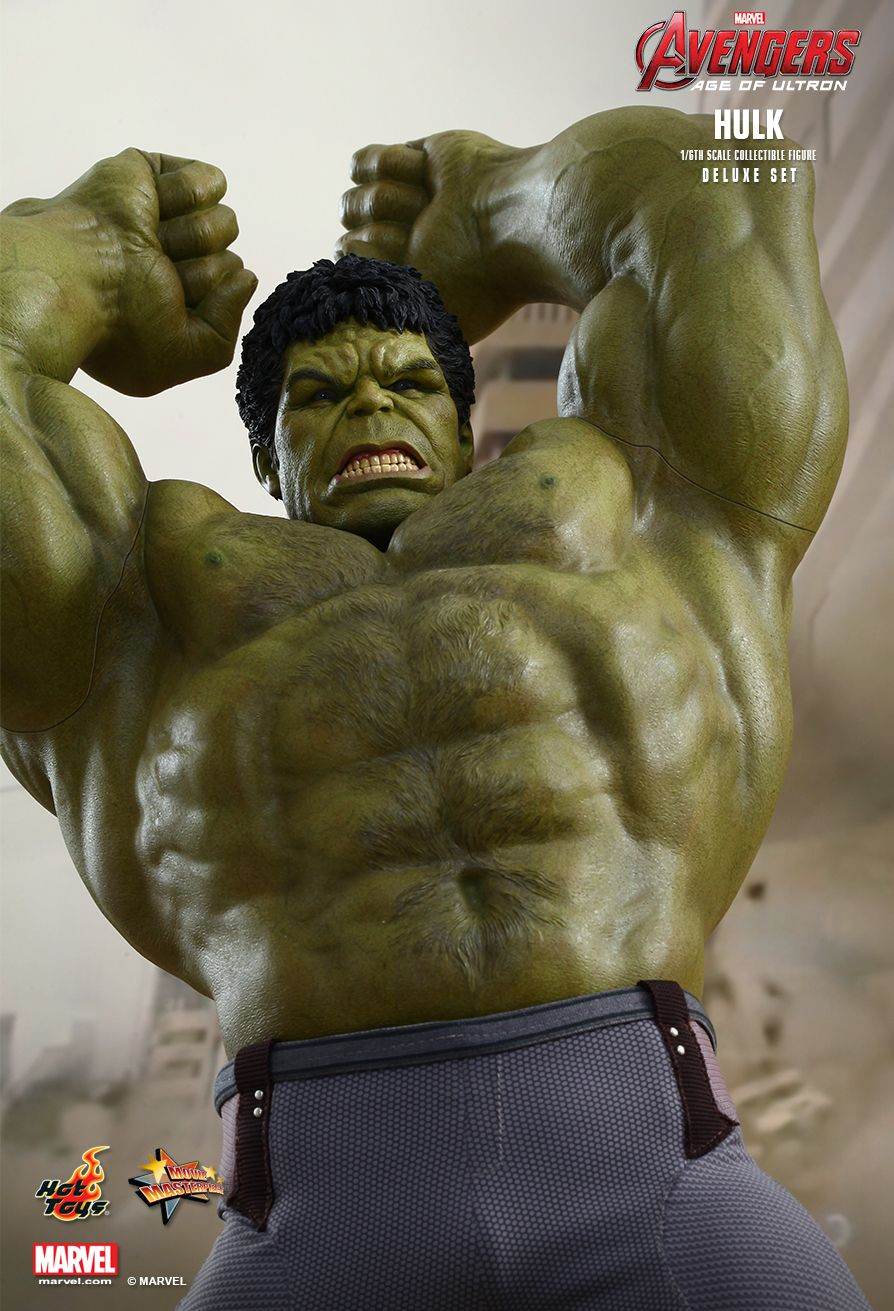 HULK 1/6TH SCALE DELUXE COLLECTIBLE SET