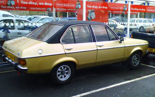 1980_Ford_Escort_Ghia.jpg