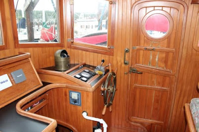 Pilothouse%252520Inside%252520Stbd%252520Fwd%252520Jan%2525202012.jpg