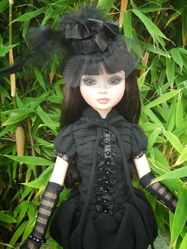 Pénélope, l'Essential 5 brunette de Puppedoll Ello%25205%2520brunette%252BOhmyGoth-0003