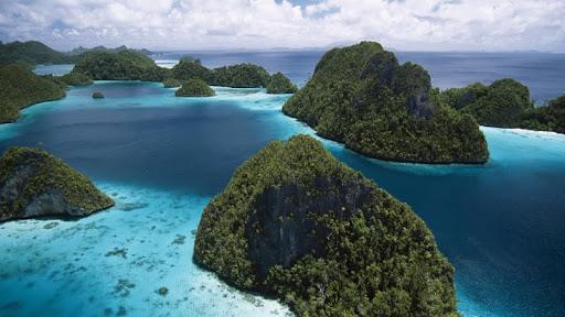 Raja Empat Island Group, Indonesia.jpg