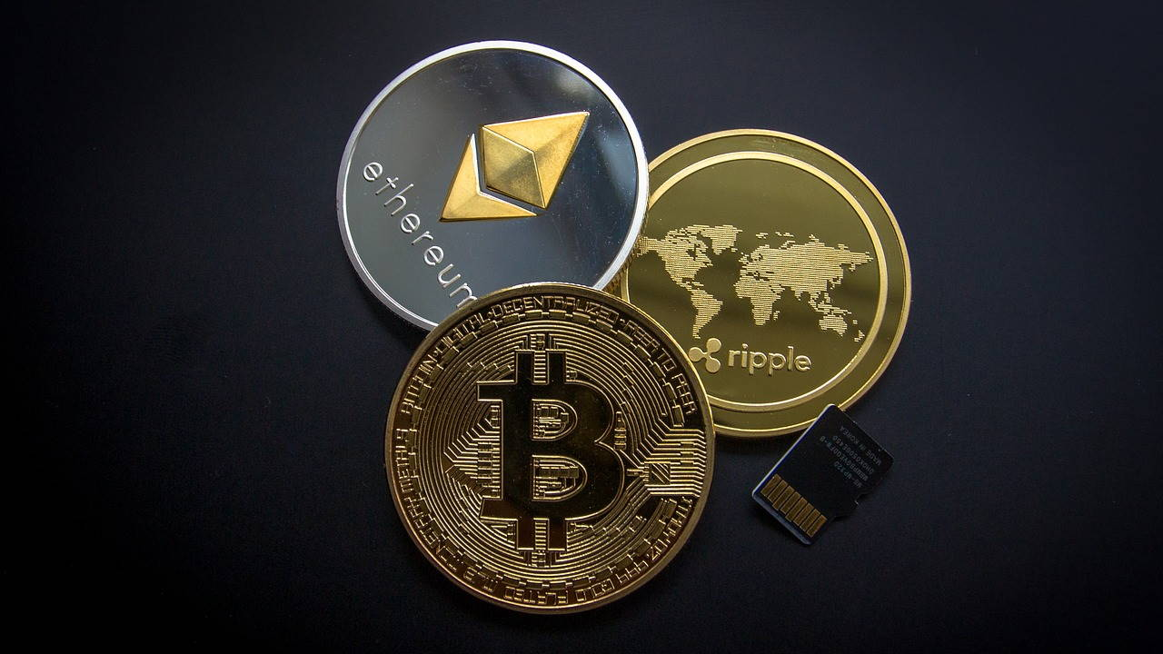 The Advantages and Disadvantages of Cryptocurrency Investing