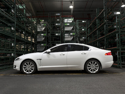 Jaguar-XF_2012_1600x1200_Side