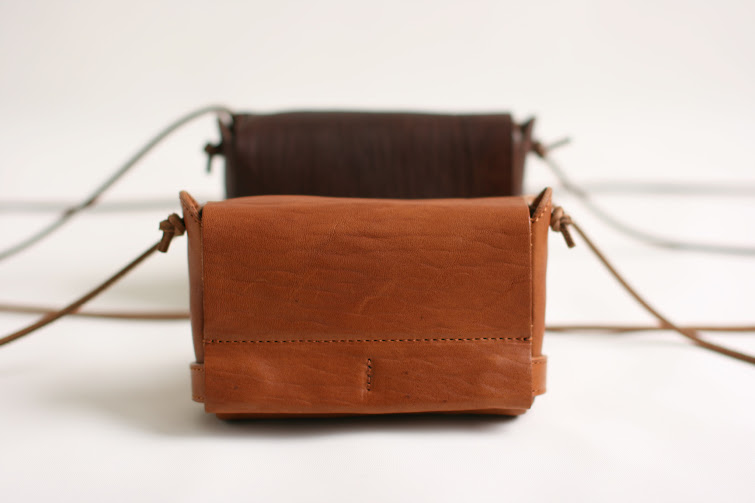 pouch: M