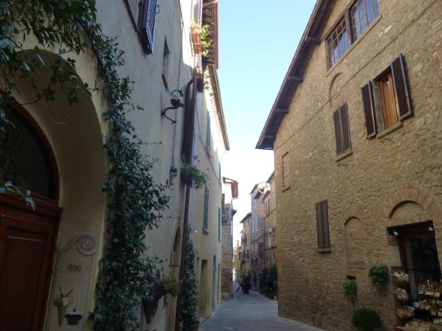 C:\Users\Gonzalo\Desktop\Documentos\Fotografías\La Toscana\103_PANA\103_PANA\P1030493.JPG