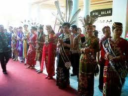 pakaian adat kalimantan tengah pakaian tradisional kalimantan tengah Pakaian Adat Tradisional Indonesia