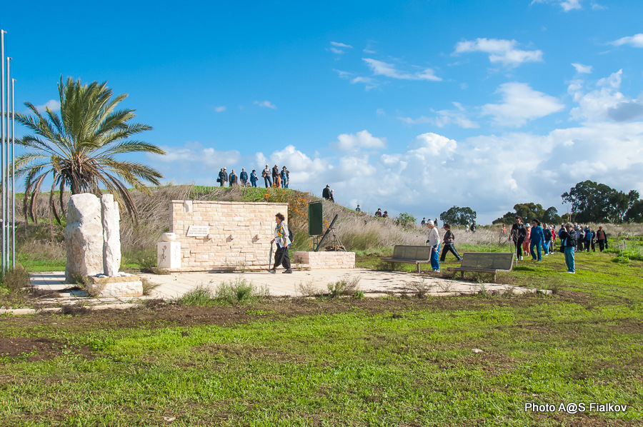 Мемориал в честь погибших в войне Израиля за Независимость. Хативат Александони. Гид в Израиле Светлана Фиалкова.