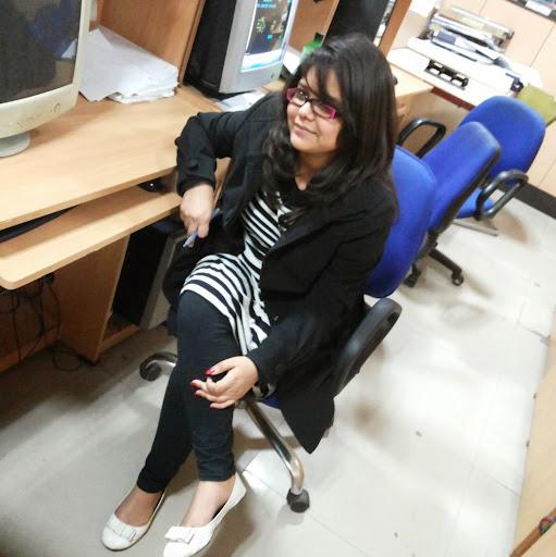Niharika Chauhan Photo 10