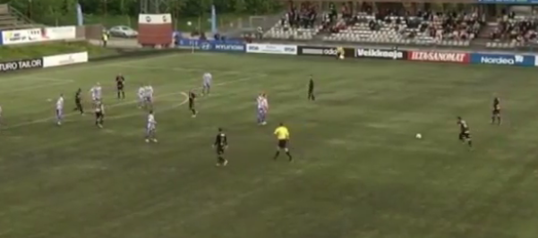 A brilliant 40 yard free kick you wont have seen: Duarte Tammilehto (Honka) vs HJK