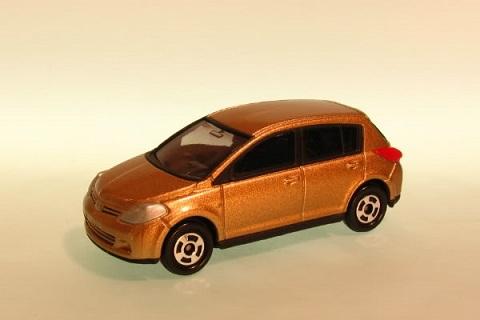 Tomica Nissan Tiida ToS00nissantiida-a