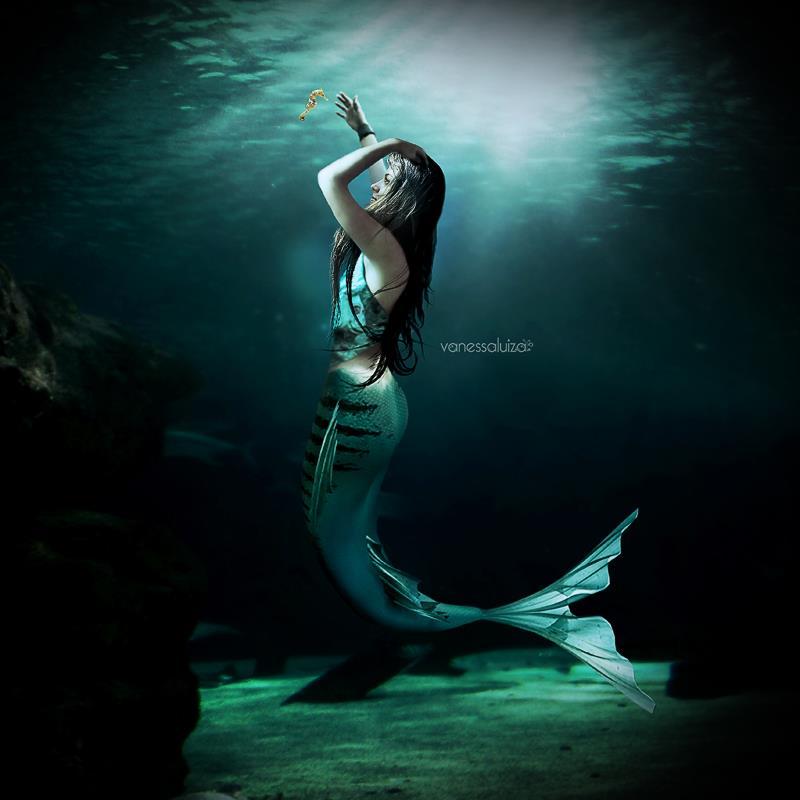 sereia underwater