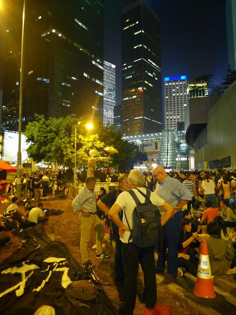L1020992 The Umbrella Revolution в Гонконге - профилактический ремонт