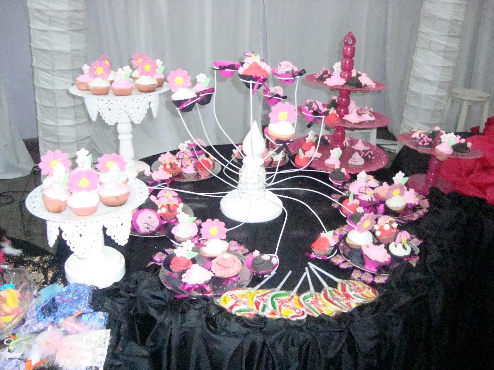 Mesas dulces tortas baby shower en formosa decoraci n for Mesas decoradas para 15 anos