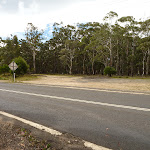 Six Foot Track crossing Jenolan Caves Rd (417482)