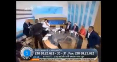ギリシャの討論番組の生放送中に女性議員に平手打ちした極右政党議員に逮捕状