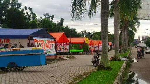 Semua Penjual Makanan Yos Soedarso Akan Dipindahkan 