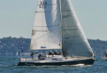 J/105 one-design sailboat- sailing in Manhasset series