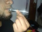 posisi memasukan mouthpiece kedalam sedotan, tegak lurus