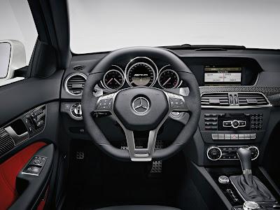 Mercedes-Benz-C63_AMG_Coupe_2012_Interior_02_1600x1200