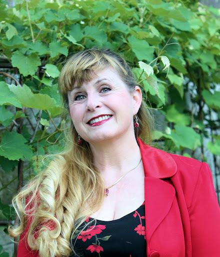 Kristin Elmquist Photo 7