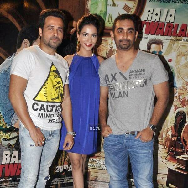 Emraan Hashmi and Humaima Malik pose with Kunal Deshmukh during the press meet of Bollywood movie Raja Natwarlal, held at UTV Office on July 24, 2014.(Pic: Viral Bhayani)
